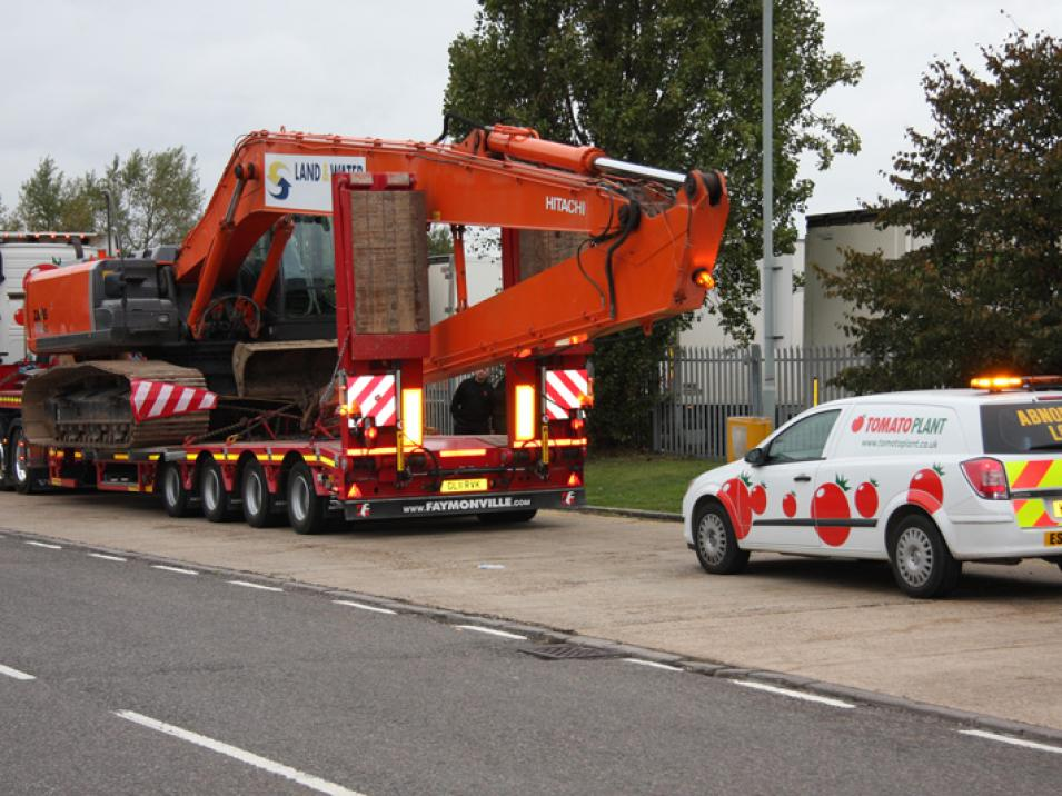 Tomato Plant | Plant Division, 3 Axle Arctic to 35T | Iver, Buckinghamshire & London large 15