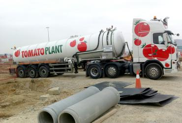 Tomato Plant | Tanker Division, Articulated | Iver, Buckinghamshire & London image 1