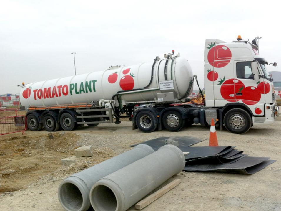 Tomato Plant | Tanker Division, Articulated | Iver, Buckinghamshire & London large 1