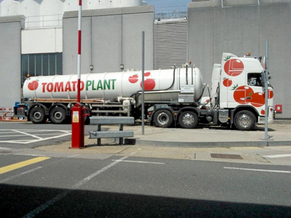 Tomato Plant | Tanker Division, Articulated | Iver, Buckinghamshire & London large 4